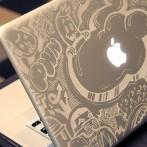Conceptions sur portable en métal en utilisant le système de gravure au laser