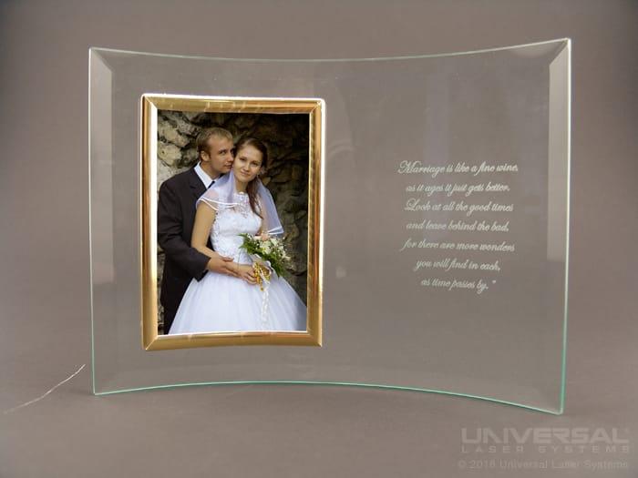 Cadre photo en verre marqué au laser
