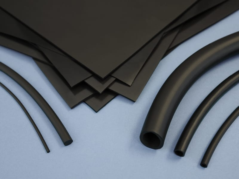 Différentes pièces en Viton® adaptées à la découpe, au marquage et à la gravure au laser